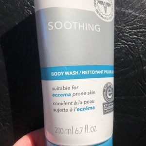 Moisture Therapy Derma Soothing Body Wash